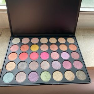 New morphe 35E eyeshadow palette